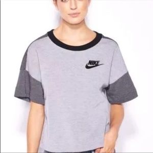 Nike Rally Plus Crew Shirt Relaxed Fit Sample Med